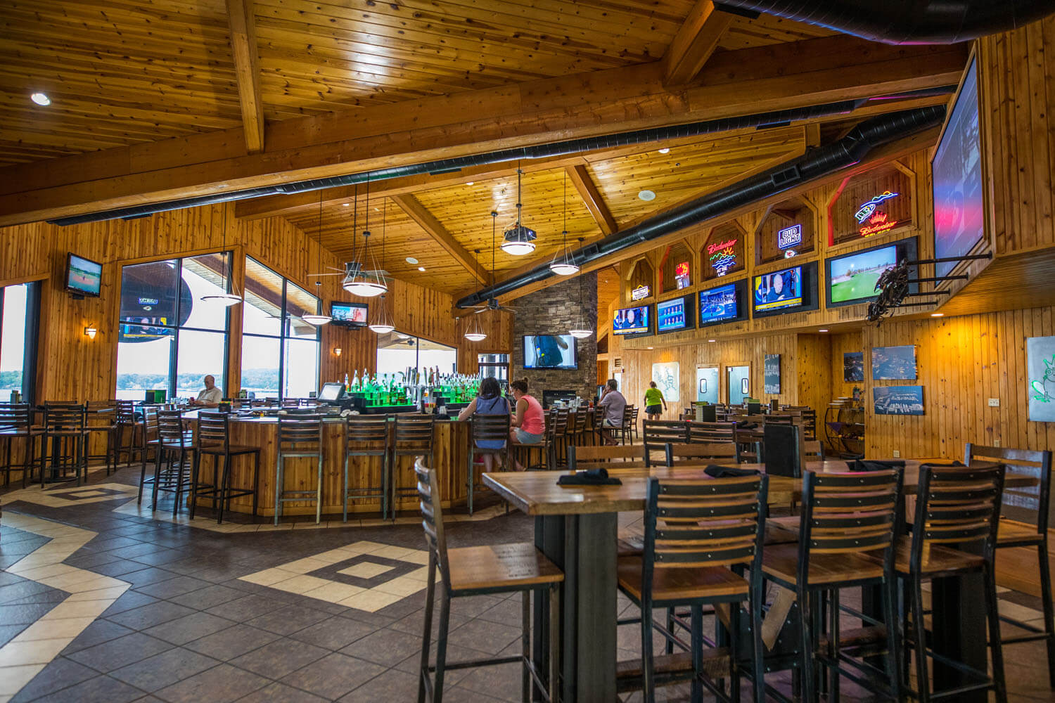 Indoor dining and bar seating at Toad Island Bar & Grill Camden on the Lake